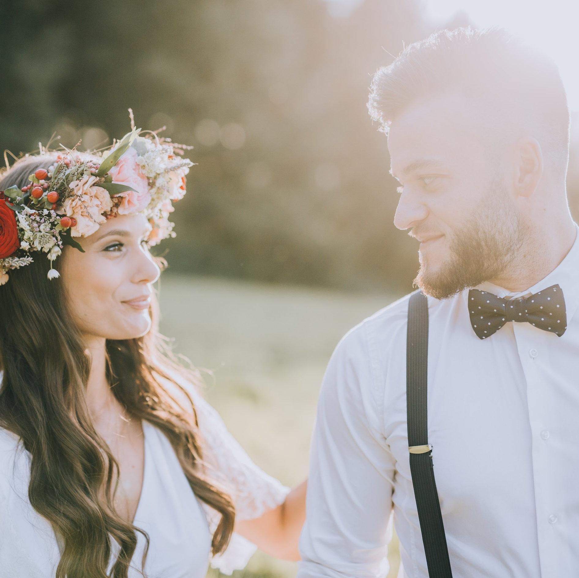 Unser professionelles Braut-Styling sorgt dafür, dass du alle Herzen mit Haut und Haaren eroberst