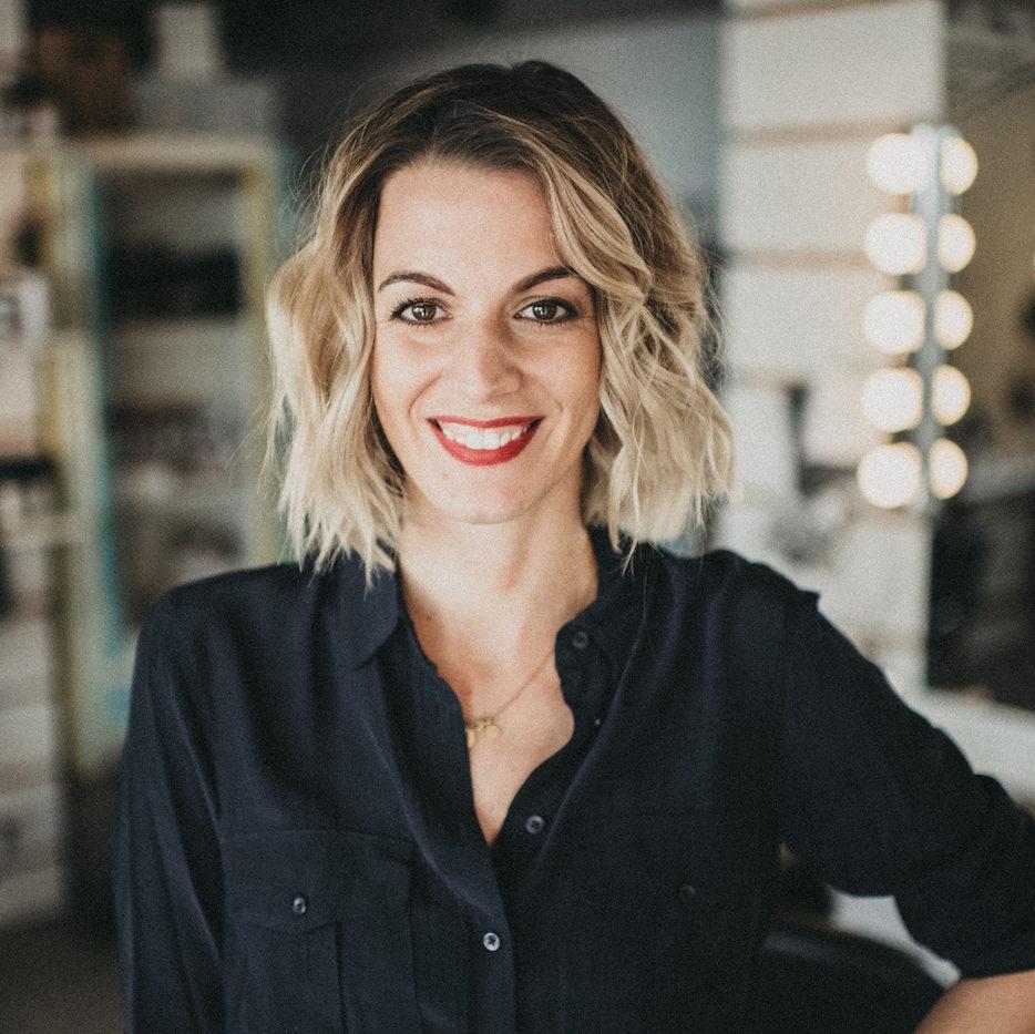 Anika Marekwica (geborene Raskopp) ist Friseurmeisterin und Gründerin von Raskopp Hair & Make-up