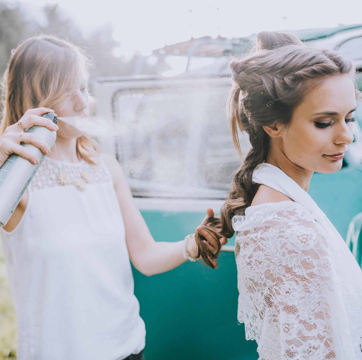 Auf alles vorbereitet – mit dem Braut-Styling von Raskopp Beauty.