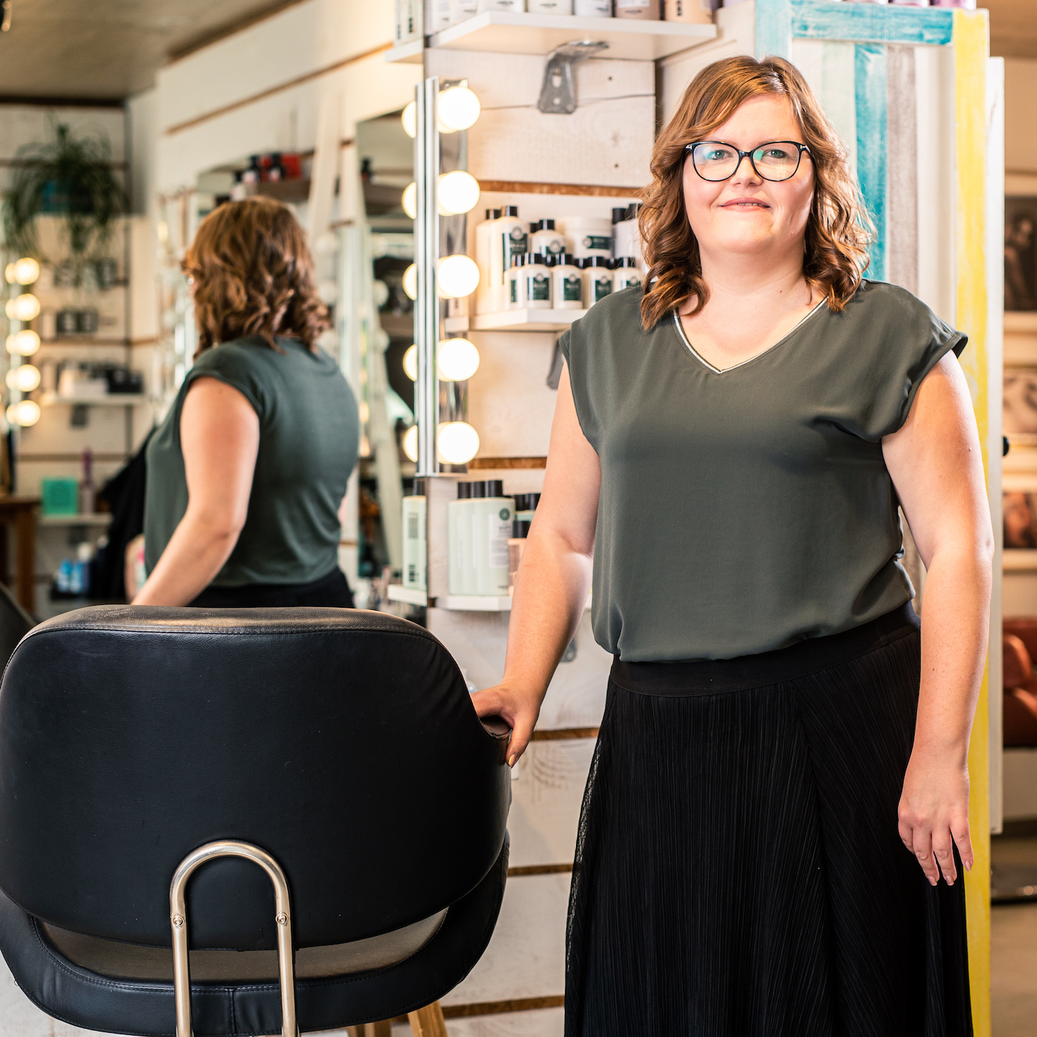 Sarah Marx ist Friseurin und Make-up Artist bei Raskopp Hair & Make-up in Luxemburg nahe Trier